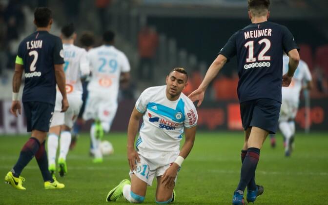 Marseille'i mängija Dimitri Payet (keskel) kohtumises PSG vastu