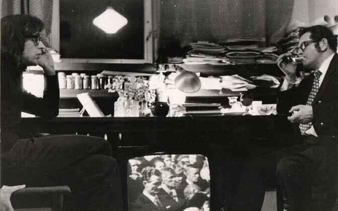 Tõnis Vint ja Juri Sobolev Vindi korteris Tallinnas 1970ndatel.