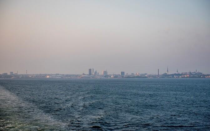 Вид на Таллинн со стороны Финского залива.