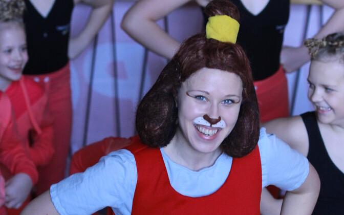 Kadri Toomsalu Lotte rollis 2017. aasta Koolitantsul