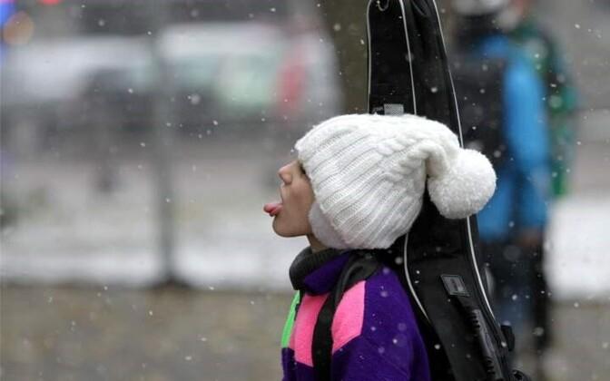 В пятницу возможен дождь и мокрый снег.