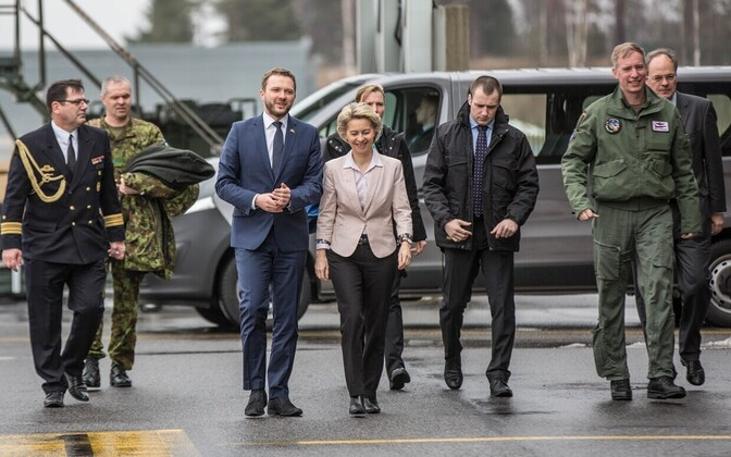 Saksa kaitseminister Ursula von der Leyen Ämari baasis.