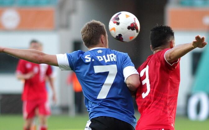 Сандер Пури в матче за сборную Эстонии.