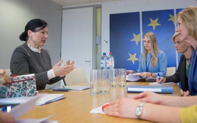Commissioner Věra Jourová (left) meeting Minister of Social Protection Kaia Iva, Tallinn, Mar. 3, 2017.