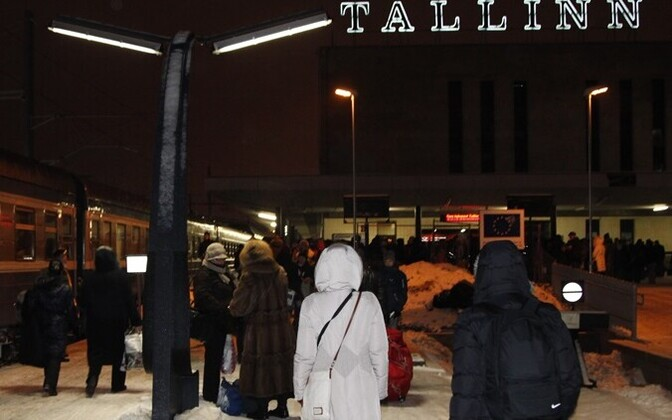 Tourists arriving at Tallinn's Baltic Station.