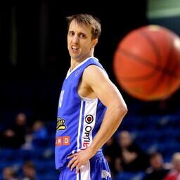 Бранко Миркович остается в