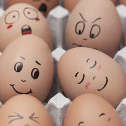 Õiges vanuse muna valimine lihtsustab selle koorimist märkimisväärselt.