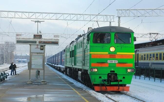 Товарный поезд из Китая прибыл в Латвию.