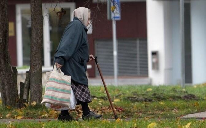 Расходы на индексацию пенсий 471 516 человек в 2017 году составят 65,5 миллионов евро.