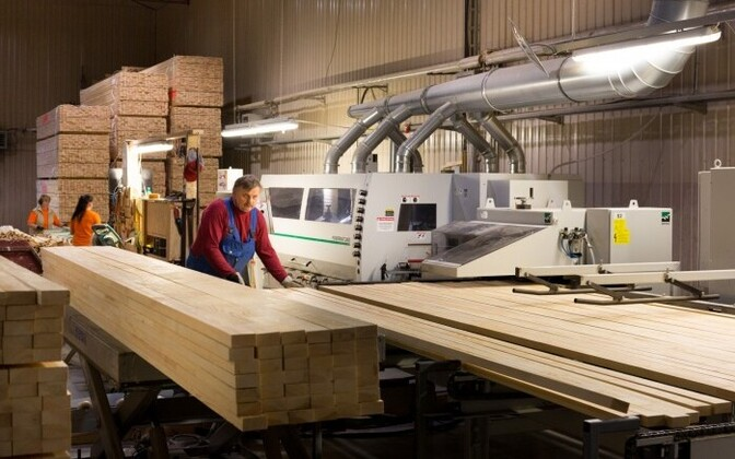 The manufacture of wood products was one of the main drivers in March 2016. The workshop of Combiwood, a wood industry company based in Southern Estonia.