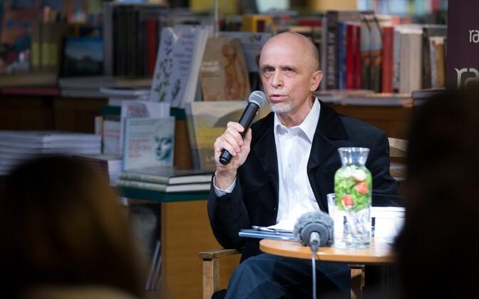 Aasta kirjanik Mihkel Mutt.