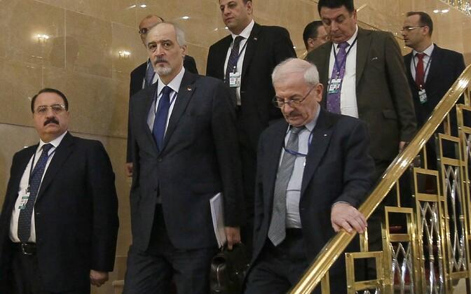Делегация сирийского правительства на переговорах в Астане.