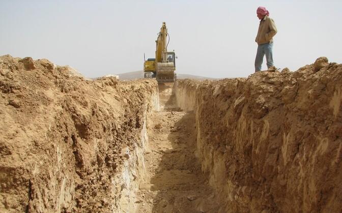 Тестовая добыча сланца в Иордании.