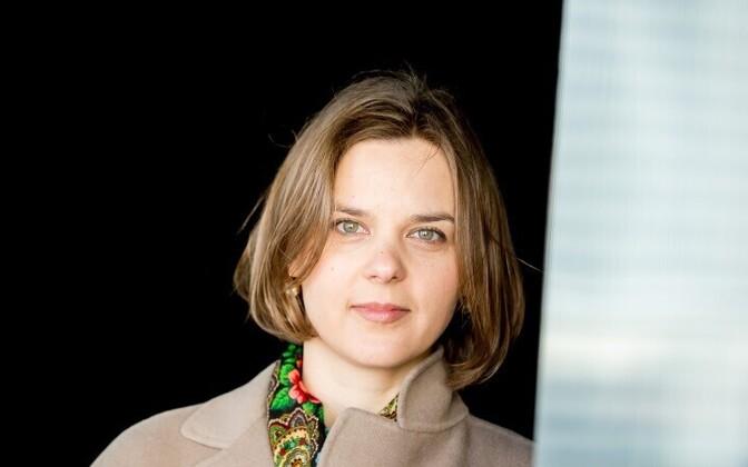 Дарья Саар напомнила, что современные зрители предпочитают смотреть телепрограммы через интернет.