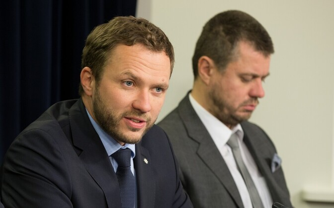 Influential in the government, but struggling with low approval ratings: IRL ministers Tsahkna and Reinsalu.