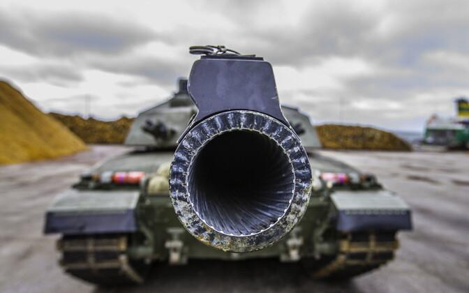 Военную технику НАТО привезли в Эстонию.