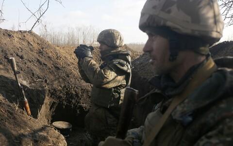 Украинские военные на Донбассе.