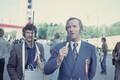 Eesti TV ja Raadio töötajad laulupeol: [tuvastamata], reporter Ivar Trikkel. 1980