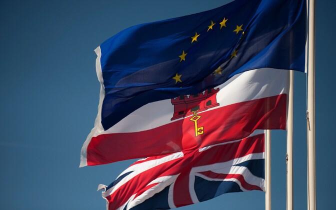 Suurbritannia, Gibraltari ja Euroopa Liidu lipp.