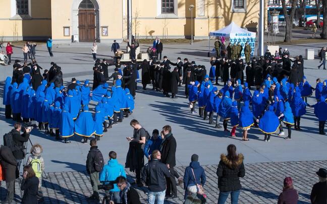 Празднование Дня ветеранов в Таллинне.