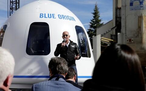 Jezz Bezos tutvustab Blue Origini.