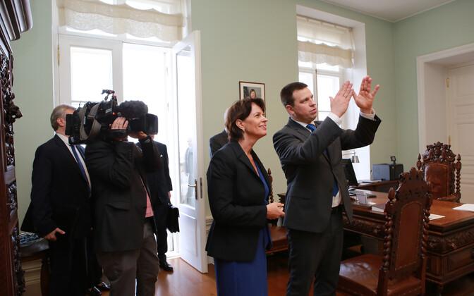 Swiss president Doris Leuthard and Prime Minister Jüri Ratas (Center) in Tallinn, Apr. 10, 2017.
