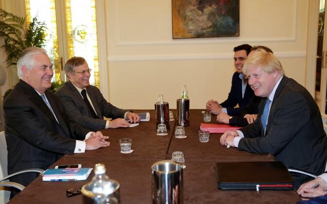 Tillersoni ja Johnsoni kohtumine 10. aprillil Itaalias.