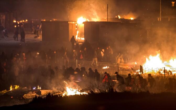 Prantsusmaal põles maha Grande-Synthe'i migrantide laager.