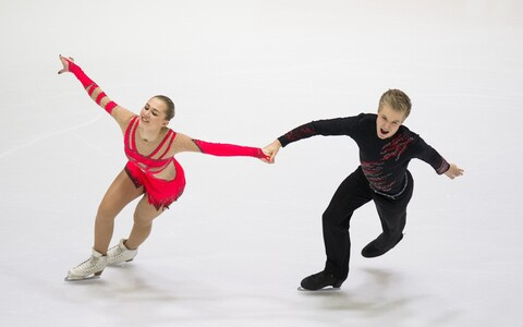 Iluuisutajad Marina Elias ja Denis Koreline