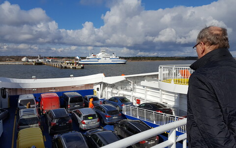 The ferry Piret.