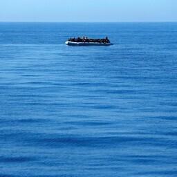 Päästelaevad korjasid Vahemerel kokku üle 2000 migrandi.