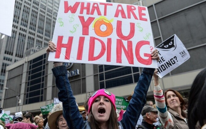 В администрации американского президента прошедшие марши пока не комментировали.