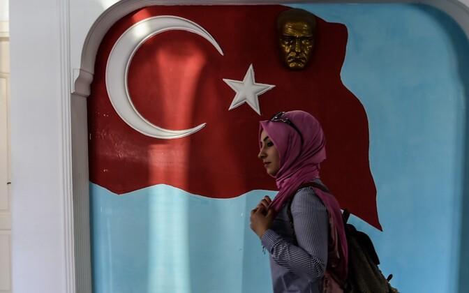 Жители Турции делают свой выбор.