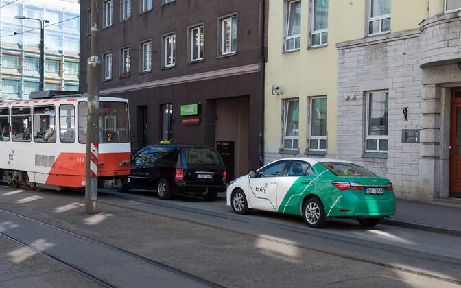 Taxify ja Uber võivad peagi seaduslikult oma teenust osutada.