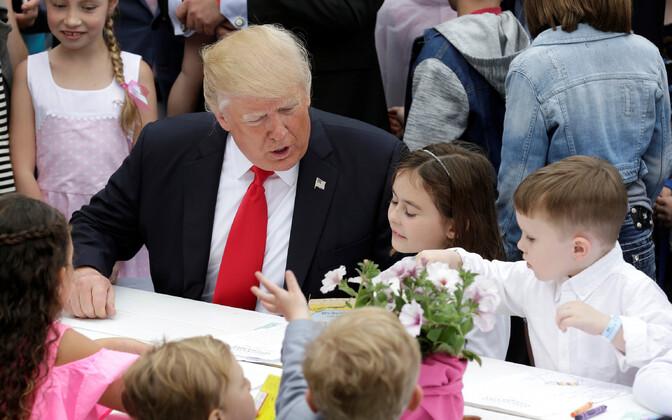 Дональд Трамп в Белом доме празднует Пасху.