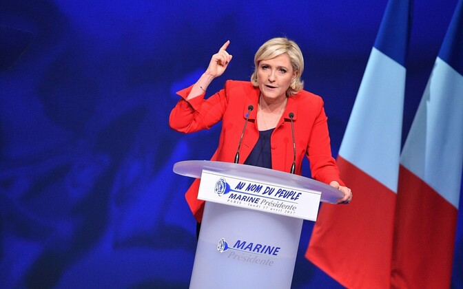 Marine Le Pen pühapäevasel kampaaniaüritusel Pariisis.