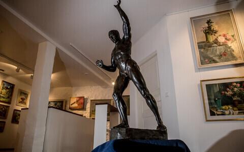 Amandus Adamsoni Georg Lurichi skulptuur, mis jõudis kodumaale pärast sajandipikkust eksirännakut.