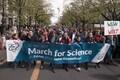 Berliinis marsis teaduse kaitseks kuni 11 000 inimest.