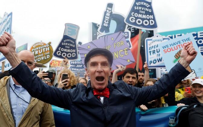 Marsi üks eestkõnelejaid BIll Nye Washingtonis toimunud meeleavaldusel.