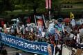 Meeleavaldajad suunduvad Washingtonis Kapitooliumi suunas. Kokku avaldas Washingtonis meelt umbes 40 000 inimest.