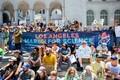 Meeleavaldajad Los Angelesis. Politsei esialgse hinnangu järgi osales marsil vähemalt 12 000 inimest.