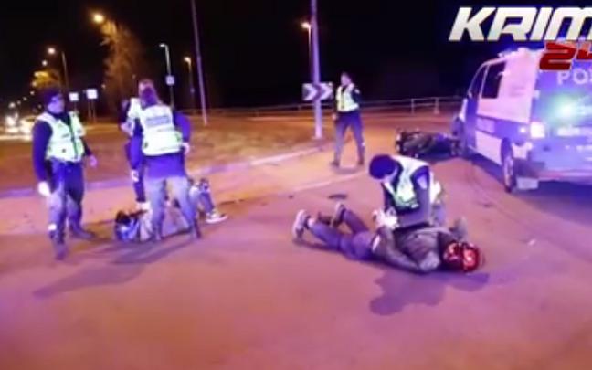 В полиции объяснили принятое решение сбить мотоцикл желанием предотвратить более серьезное ДТП.