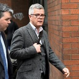 Briti jurist ja Brexiti-vastane Jolyon Maugham 24. aprillil Dublinis kohtuhoone juures.