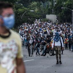 Meeleavaldajad pealinn Caracases 24. aprillil.