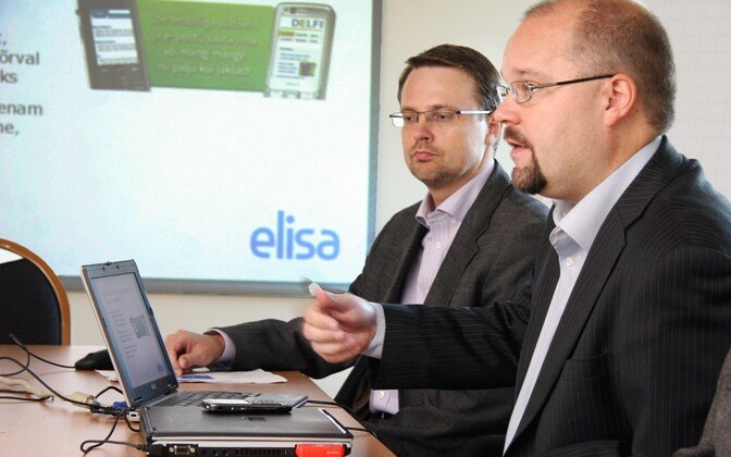 Elisa board member Andrus Hiiepuu (left) and CEO Sami Seppänen (right) are also new members of the board at Starman.