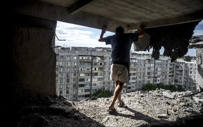 Kahjustada saanud hoone Luganski oblastis.
