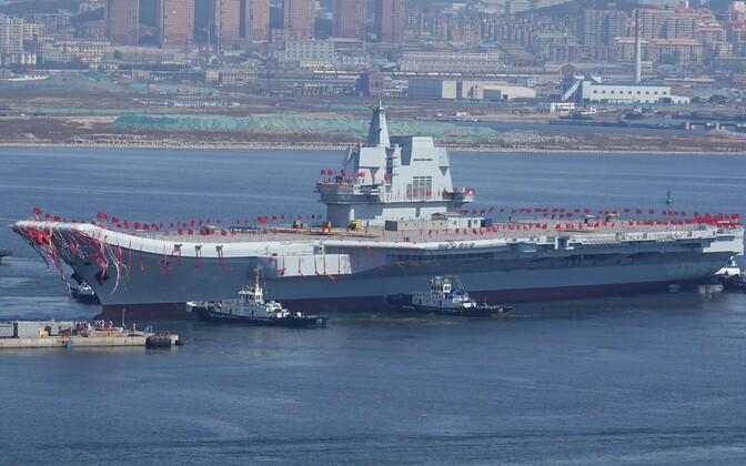 Hiina laskis Daliani sadamas vette esimese kodumaal ehitatud lennukikandja.