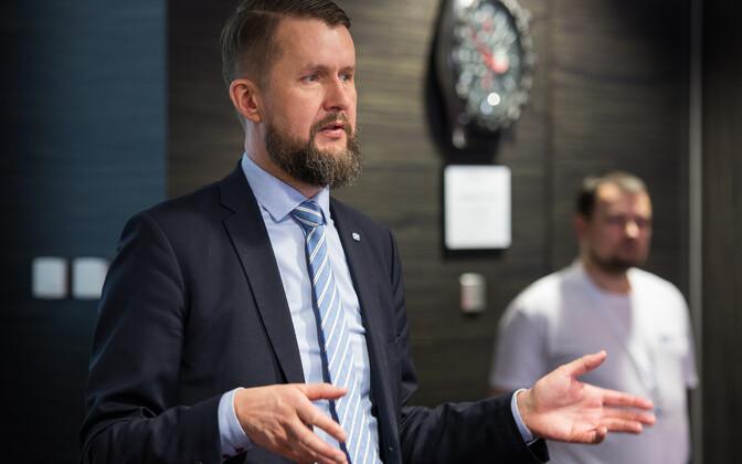 NATO Küberkaitse Koostöö Keskuse direktor Sven Sakkov õppusel Locked Shields 2017.
