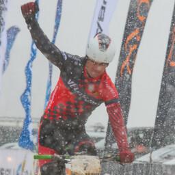 Cofidise eksproff Gert Jõeäär Kuusalu maratoni finišis