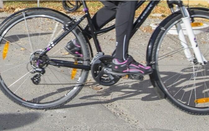 Велосипедисты регулярно подвергаются опасности.